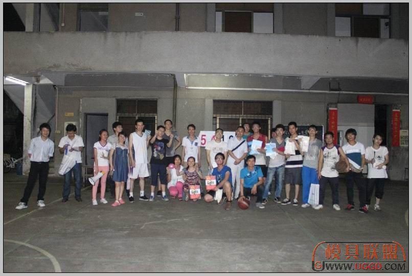青华2013NX篮球赛