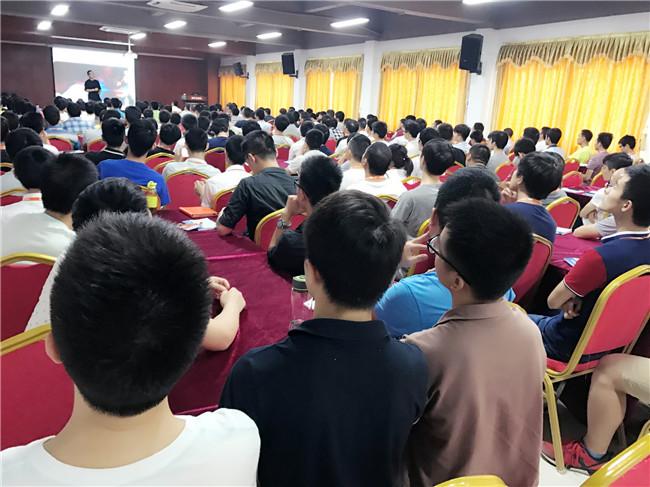 青华模具学院举办《种子的力量》分享讲座圆满成功!