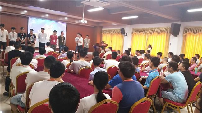 青华模具学院(长安校区)隆重召开了开学典礼和月考颁奖典礼